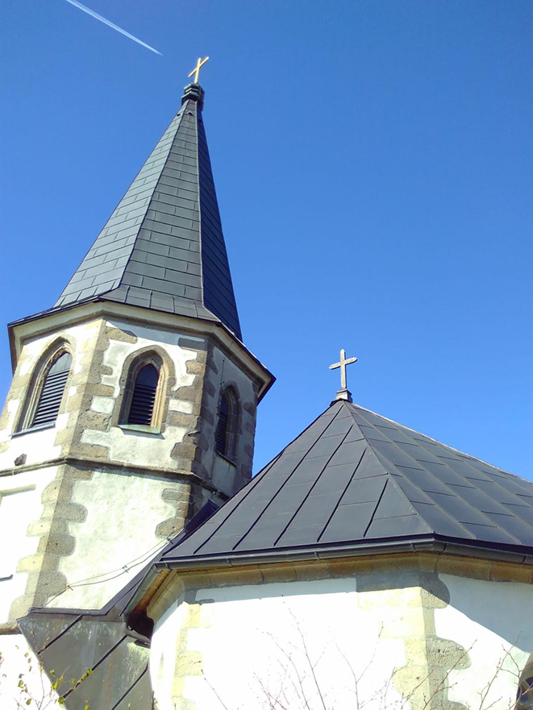 Was fliegt um unseren Kirchturm?